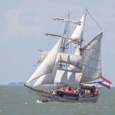 Een zeilschip als unieke trouwlocatie