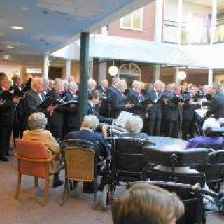 Optreden voor de bewoners van Daelhoven april 2010