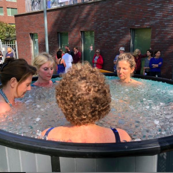 5 minuten in een ijsbad voor Cool4ALS