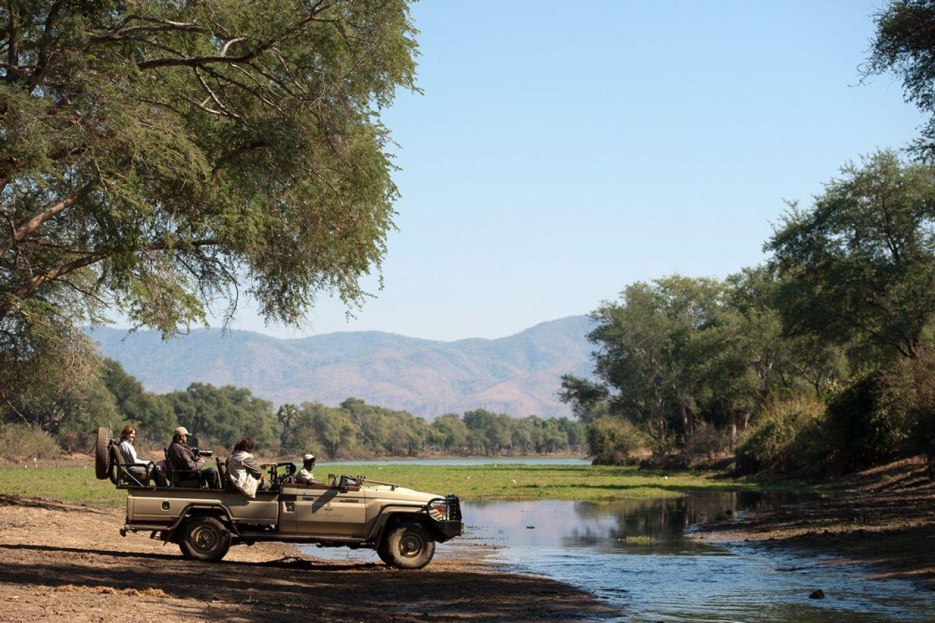 Baines River Camp safari