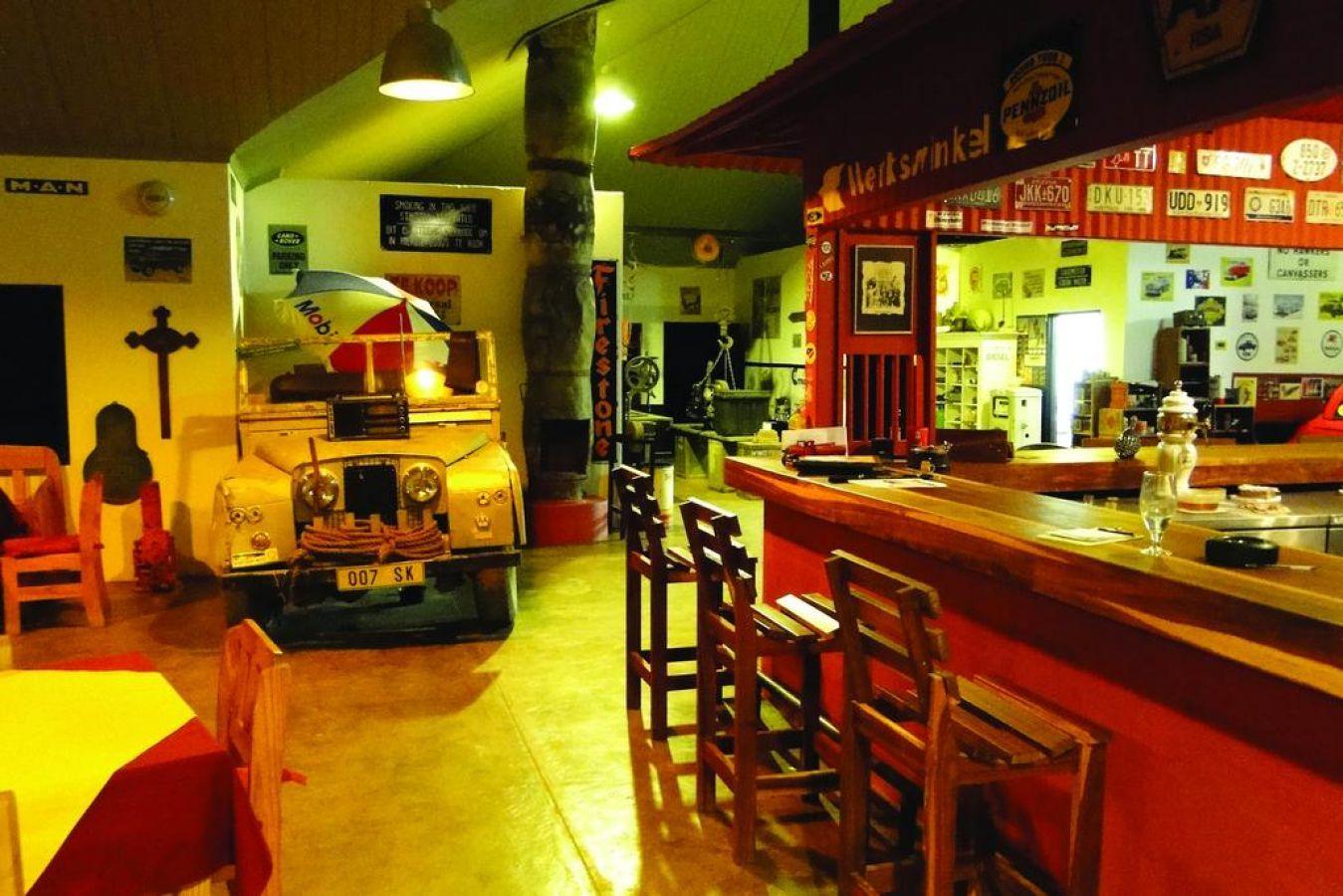 Canyon Roadhouse bar