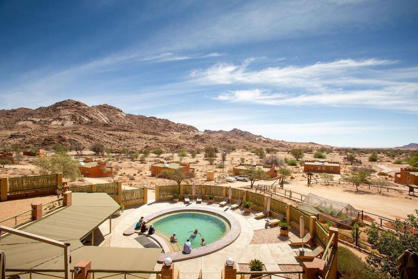 Desert Horse Inn zwembad