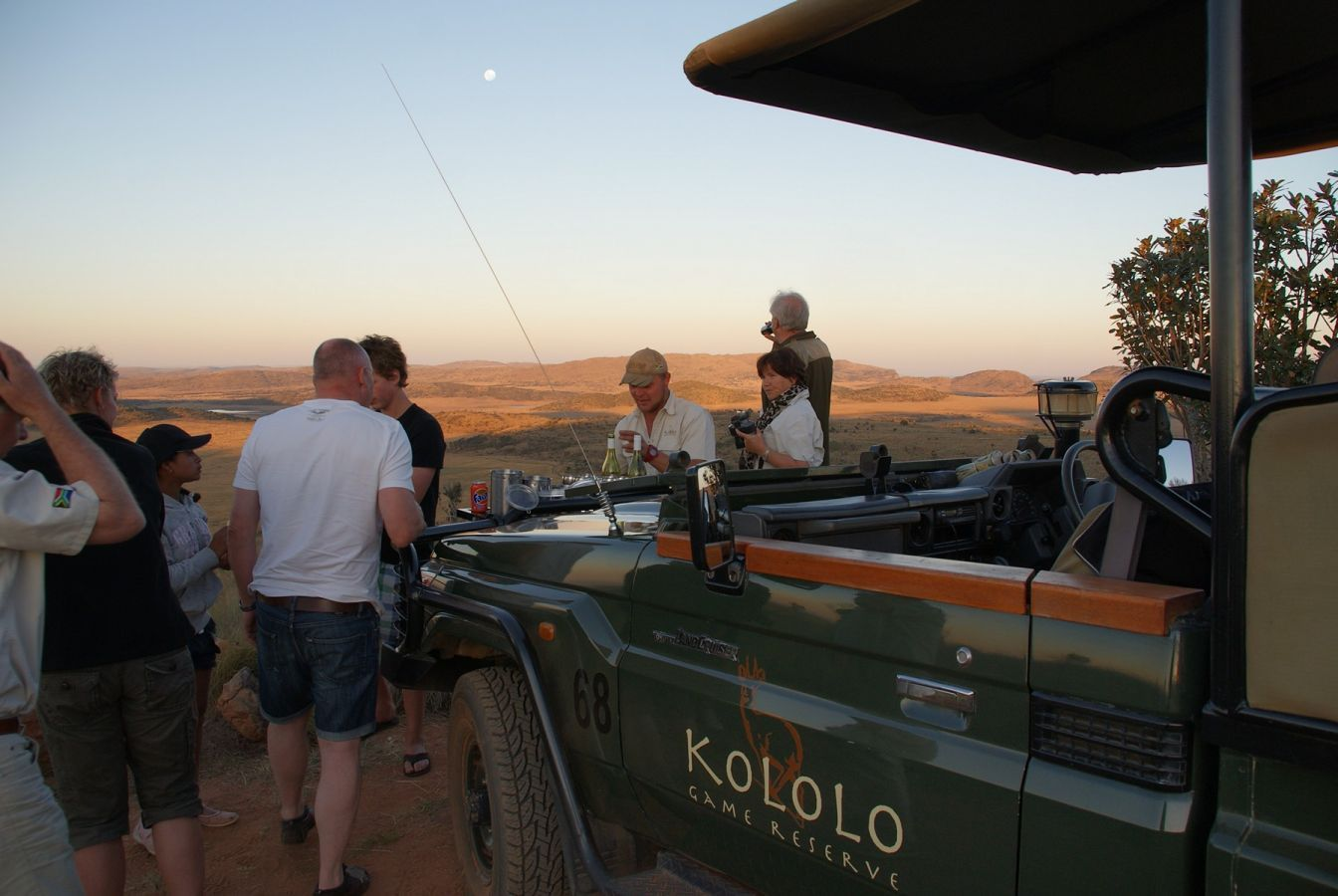 Kololo Game Reserve sundowner drankje tijdens middag game drive  - ©Fair Mundo Travel