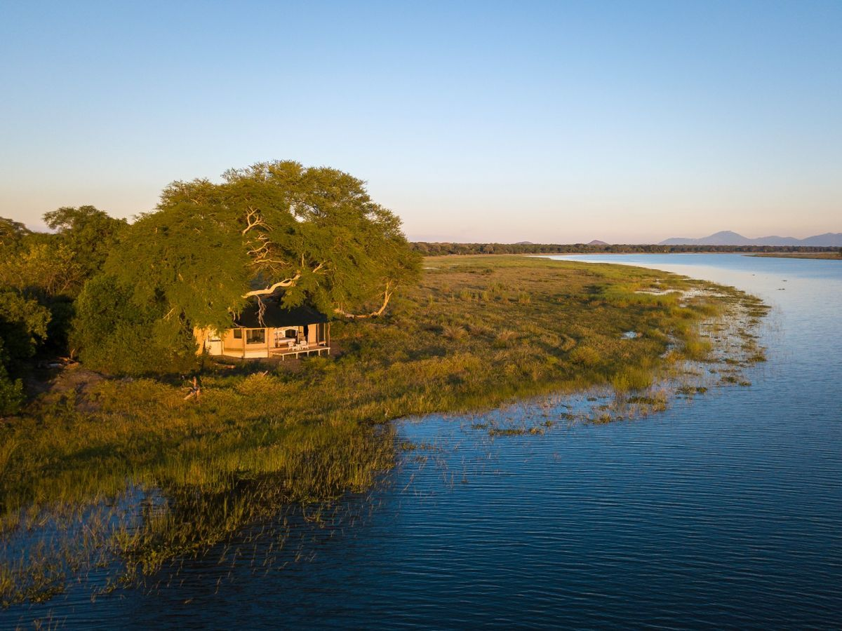Kuthengo Camp aan de Shire rivier