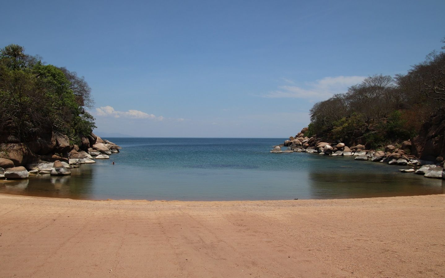 Lake Malawi baai met strand - ©Fair Mundo Travel