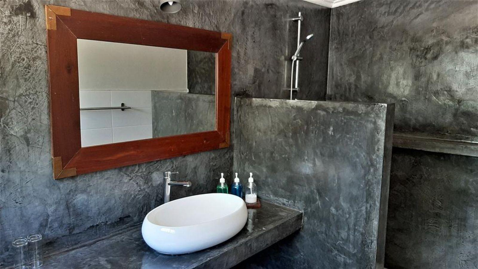 Mitengo House badkamer