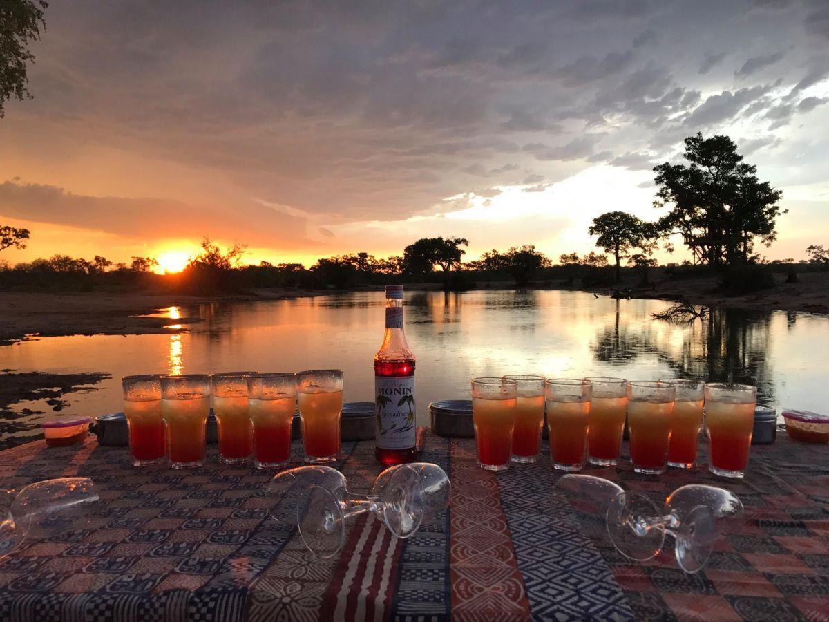 Umlani Bushcamp sundowner