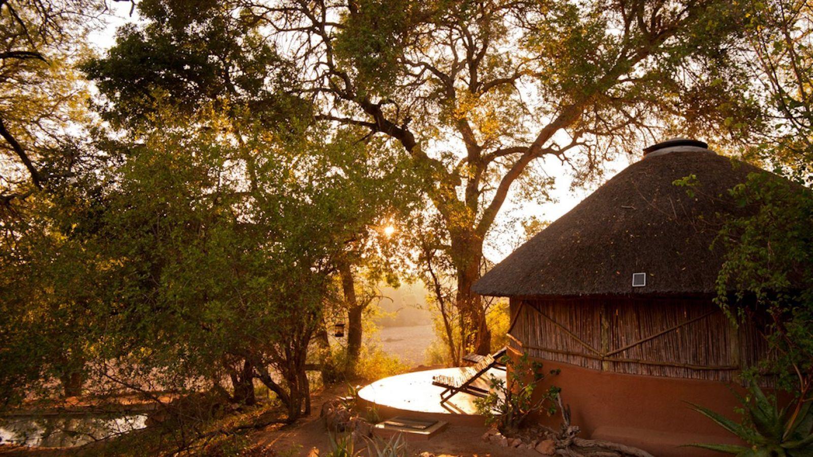 Umlani Bushcamp rondavel