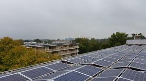APSystems zonnepanelen micro omvormer op flat