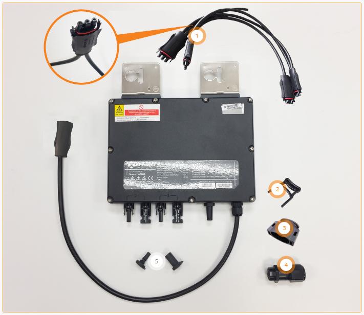 APsystems YC600y met accessoires