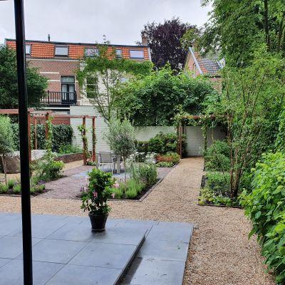 Aanleg moderne tuin met Franse twist in Zeist