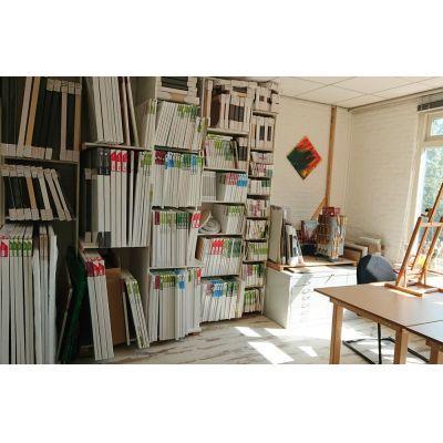 Canvas en linnen doeken, panelen, baklijsten, paletmesssen.