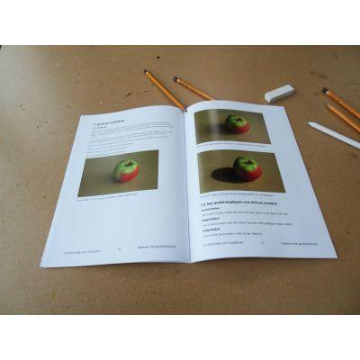 Licht en schaduw zijn belangrijk voor de dieptewerking in je tekening . Cursus basisbeginselen van het tekenen met potlood. Ombers & Okers