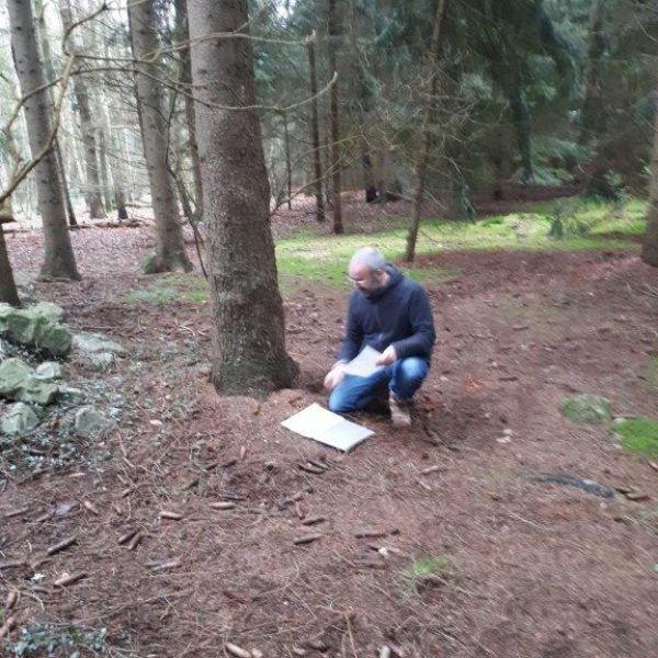 Maurice bereidt zich voor op het kunstenaarsweekend