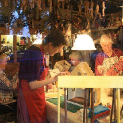 Restauratie van antieke poppen, beren en speelgoed