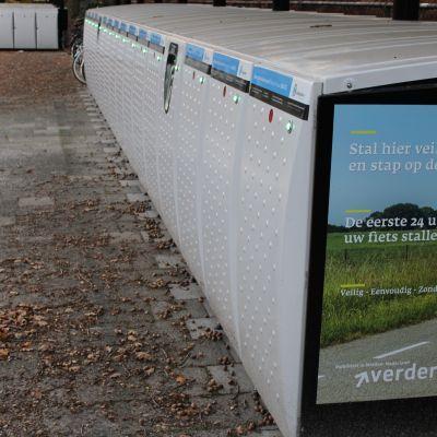 Nieuwe fietskluizen bij station Soest-Zuid, mét stopcontact voor elektrische fietsen