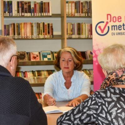 OV-ambassadeurs maken 55-plussers in Soest wegwijs