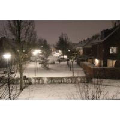 Flink wat sneeuw, kans op ijzel en veel wind