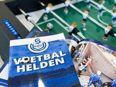 Reto ontwerpt verzamelboek voetbalplaatjes Jumbo