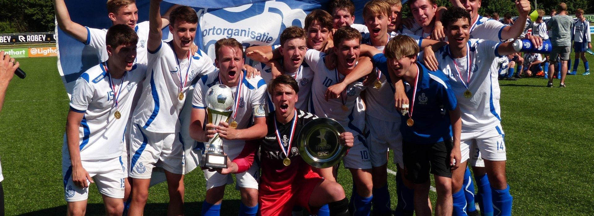 SO Soest JO17-1 wint NK voor JO17-1 junioren