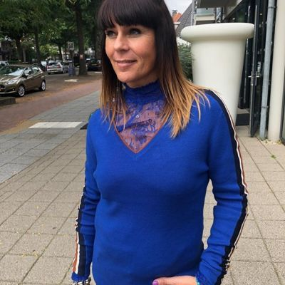 It's all about the details 🤗 @aaikoamsterdam collection #studiojill #collectie #fashion #andmore #blue #kobalt