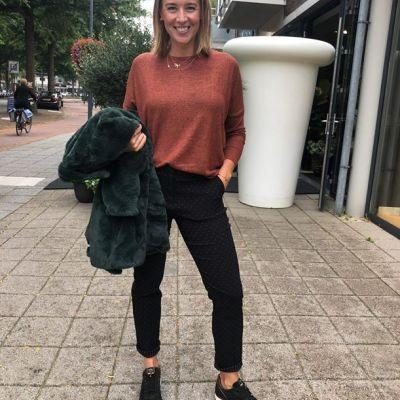 Jasje aan jasje uit! We love (fake) fur Hele gave jassen binnen voor de winter Kom ze snel bekijken🤗 #studiojill #winterjas #jack #bont #fur #shoes...