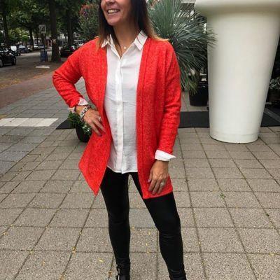 Knallend het weekend in met dit vest in een mega gave kleur🤗 #studiojill #sainttropez #outfitinspiratie #fashion #knallend