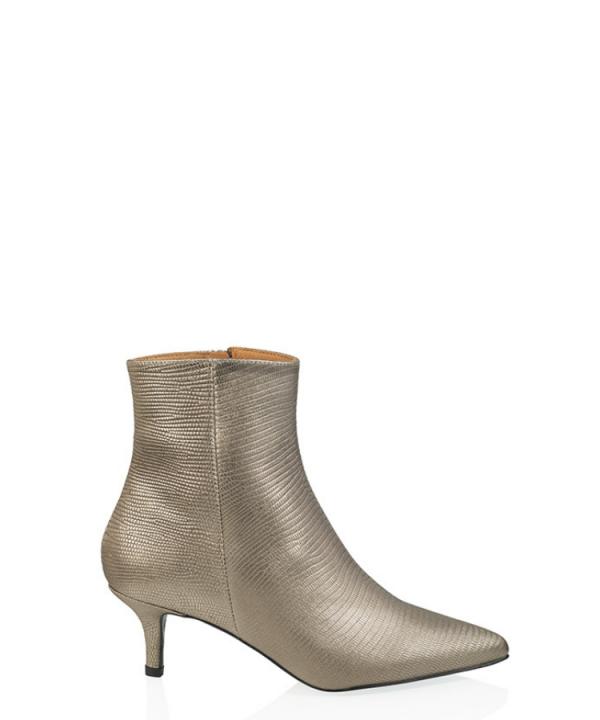 Boots Lugo