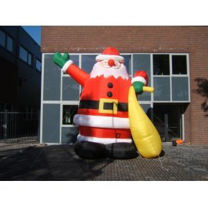 Opblaasbare Kerstman 5 meter