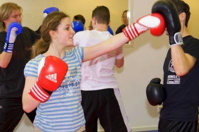 Samen sporten; kickboksen voor weerbaarheid