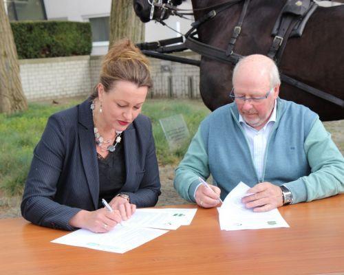 Ondertekening overeenkomst ruiterpenning,  RTV-opname